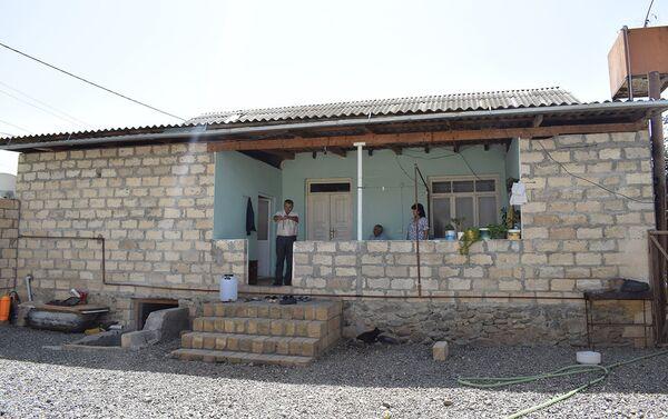 Дом в селе Гарадаглы Геранбойского района - Sputnik Азербайджан