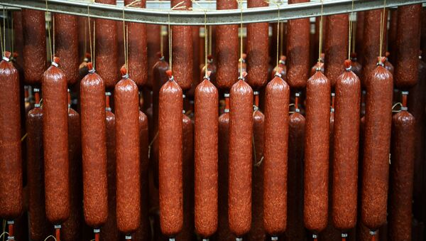 Производство колбасы, фото из архива - Sputnik Азербайджан
