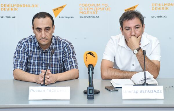 Видеомост Баку-Минск-Кишинев-Бишкек на тему Международный день блога глазами блогеров из СНГ / - Sputnik Азербайджан