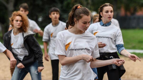 Sputnik подарил детям из шоу Ты супер! Танцы мастер-класс от Тодес - Sputnik Азербайджан
