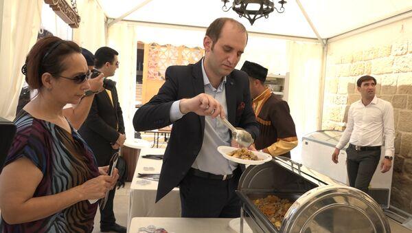 Забытые блюда вспомнили в сердце Баку - Sputnik Азербайджан