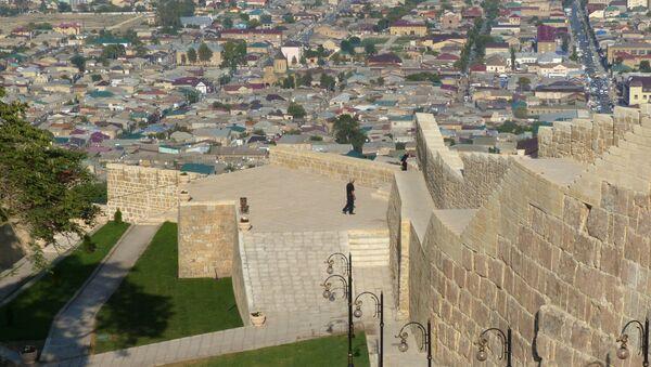 Вид на город Дербент с музея Цитадель Нарын-кала - Sputnik Азербайджан