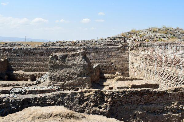 Qədim Şəmkir şəhəri ərazisində arxeoloji qazıntılar - Sputnik Азербайджан