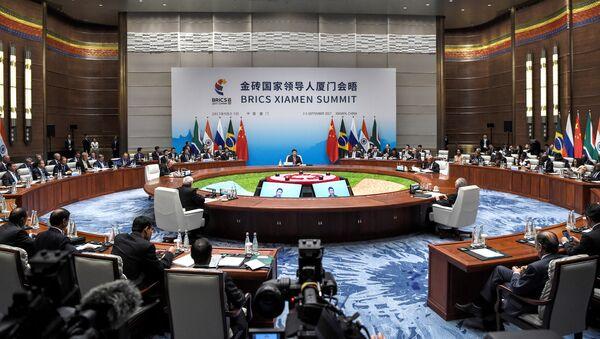 Встреча лидеров БРИКС в расширенном составе, Сямэнь, Китай, 4 сентября 2017 года - Sputnik Азербайджан