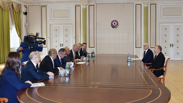 Президент Ильхам Алиев принял делегацию во главе с президентом ЕБРР - Sputnik Азербайджан