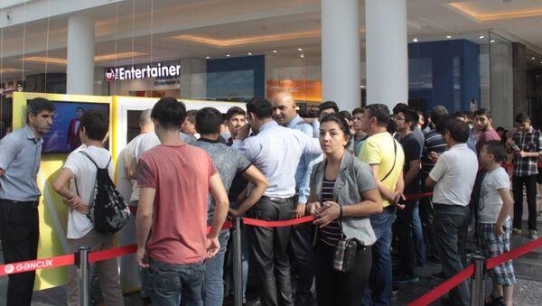 Третий день продажи билетов на первый домашний матч групповой стадии Лиги чемпионов между Карабахом (Азербайджан) и Ромой - Sputnik Азербайджан