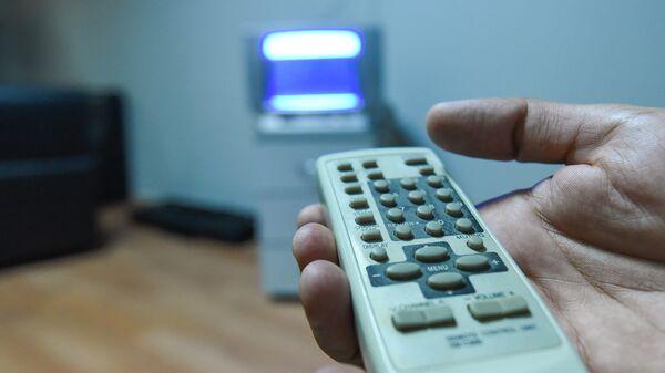 Пульт дистанционного управления телевизором, фото из архива - Sputnik Азербайджан