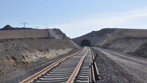 Железная дорога Баку-Тбилиси-Карс, фото из архива - Sputnik Азербайджан