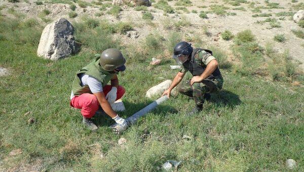 Операция по разминированию в Хызинском районе - Sputnik Азербайджан