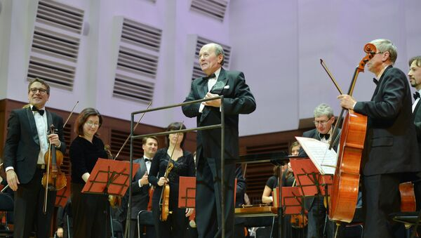 Музыканты Новосибирского академического симфонического оркестра, 14 мая 2013 года - Sputnik Азербайджан