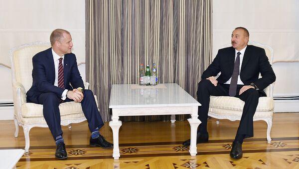 Ильхам Алиев принял исполнительного вице-президента компании Statoil по международному развитию и производству Ларса Кристина Бахера - Sputnik Азербайджан