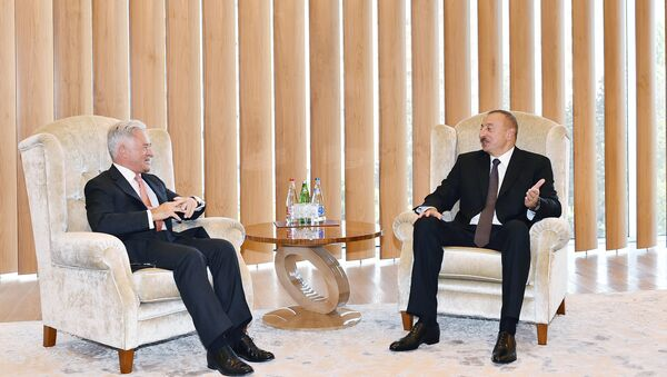 Государственный министр Великобритании Алан Дункан на встрече с президентом Азербайджана Ильхамом Алиевым - Sputnik Азербайджан