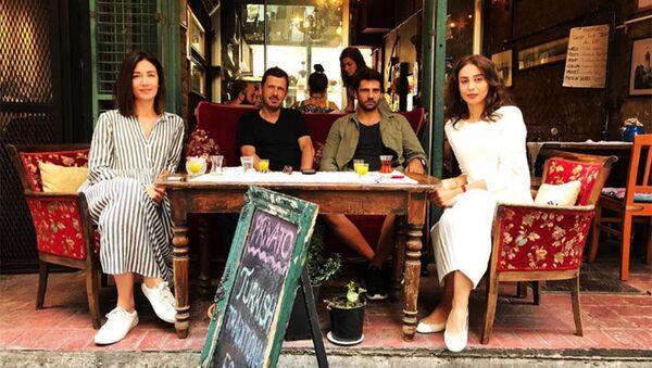 Слева направо: Гизем Огуз, режиссер Питер Веббер, актриса Кенуль Нагиева и турецкий актер Каан Угранджиоглу - Sputnik Азербайджан