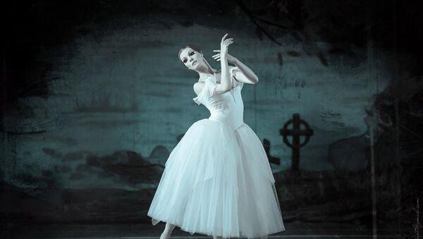 Народная артистка Украины Татьяна Голякова в роли Жизель, фото из архива - Sputnik Азербайджан
