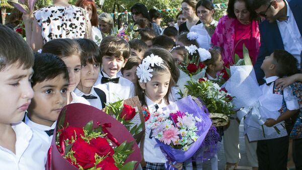 День знаний в Баку, фото из архива - Sputnik Азербайджан