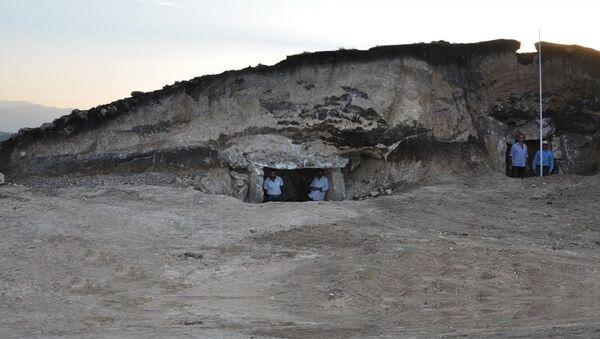 Курган на территории села Амирвар Дашкесанского района, фото из архива - Sputnik Азербайджан