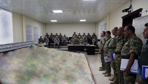 Участники широкомасштабных учений осуществили организацию взаимодействия войск на макете местности - Sputnik Азербайджан