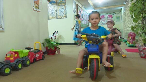 Дети в багдадском приюте - Sputnik Азербайджан