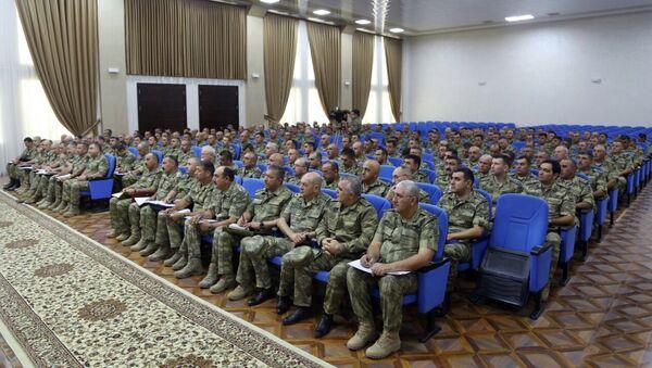 Расширенное заседание коллегии Министерства обороны, посвященное боевой и морально-психологической подготовке, а также итогам состоявшихся широкомасштабных учений проведено в прифронтовой зоне - Sputnik Азербайджан