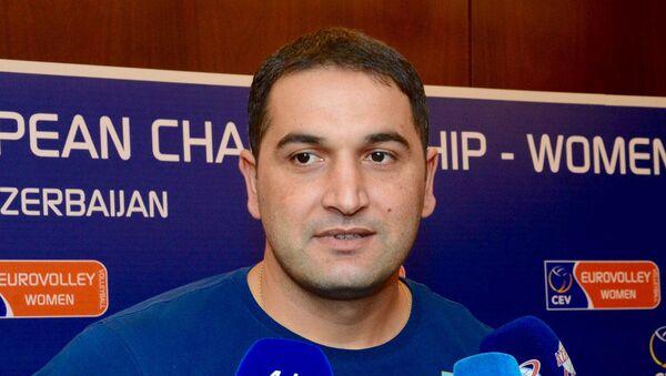 Второй тренер национальной команды по волейболу Фамиль Агаев - Sputnik Азербайджан