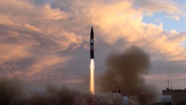 Иран провел испытания баллистической ракеты - Sputnik Азербайджан