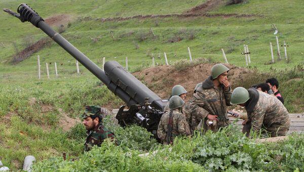 Армянские солдаты, фото из архива - Sputnik Азербайджан
