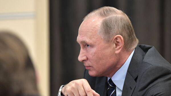 Президент РФ Владимир Путин, фото из архива - Sputnik Азербайджан