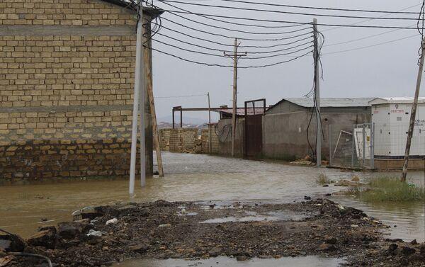 Озеро Дашагиль затопило поселок Ашагы Гуздак - Sputnik Азербайджан