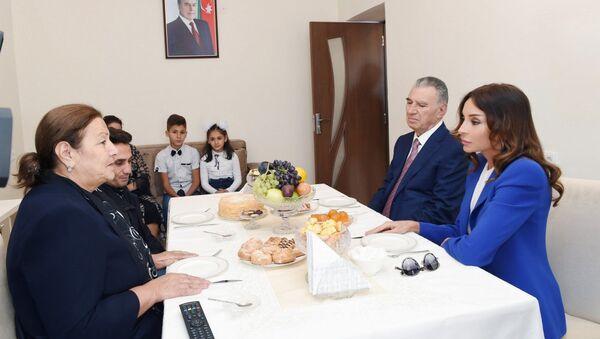 Birinci vitse-prezidenti Mehriban Əliyeva Abşeron rayonunun Masazır qəsəbəsində - Sputnik Azərbaycan