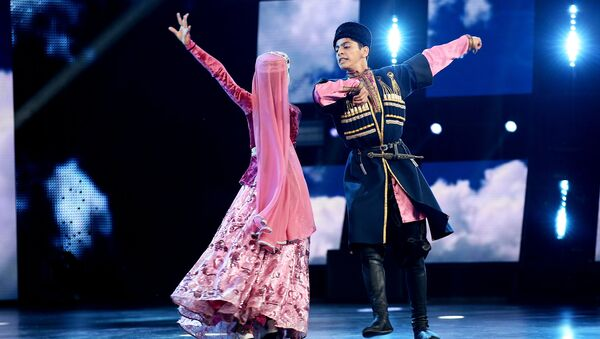 Азербайджанский танец Гайтагы на сцене Ты супер! Танцы - Sputnik Азербайджан