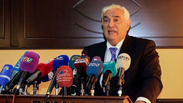 Ректор Азербайджанского университета языков Камал Абдулла - Sputnik Azərbaycan
