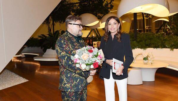 Первый вице-президент Мехрибан Алиева приняла участие в церемонии открытия выставки Модернизм и мода - Sputnik Азербайджан