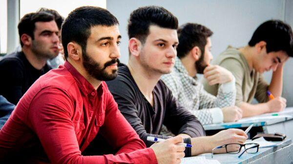 Тестовый экзамен, фото из архива - Sputnik Азербайджан