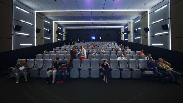Зрительный зал кинотеатра, архивное фото - Sputnik Azərbaycan