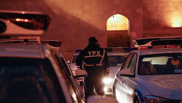 Проверка автомобилей с районной регистрацией на въезде в Баку - Sputnik Azərbaycan