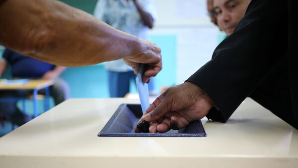 Голосование на выборах, фото из архива - Sputnik Azərbaycan