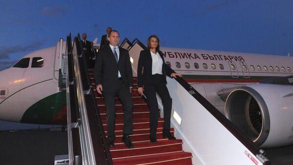 Bolqarıstan prezidenti Rumen Radev Heydər Əliyev hava limanında - Sputnik Azərbaycan
