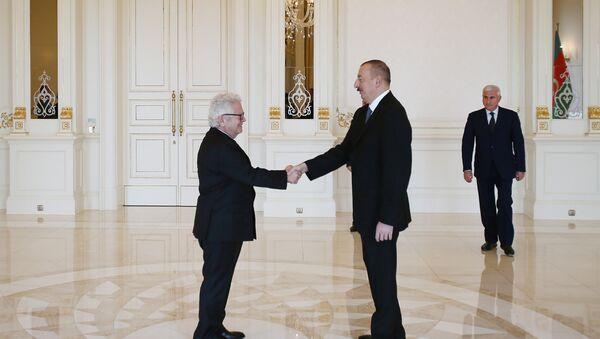 İlham Əliyev Yunanıstanın Azərbaycanda yeni təyin olunmuş səfirinin etimadnaməsini qəbul edib - Sputnik Azərbaycan