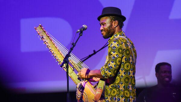 Концерт гвинейского музыканта Сейку Кояте в рамках Baku Jazz Festival 2017 - Sputnik Азербайджан
