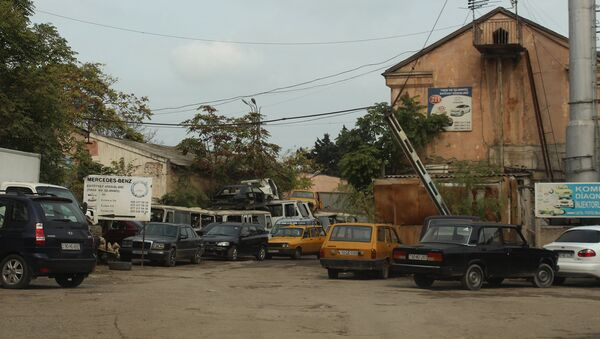 Рынок мертвых автомобилей - Sputnik Азербайджан