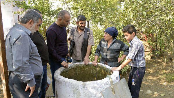 Колодец во дворе жителя села Сепнакеран Лянкяранского района Имамали Алиева - Sputnik Азербайджан