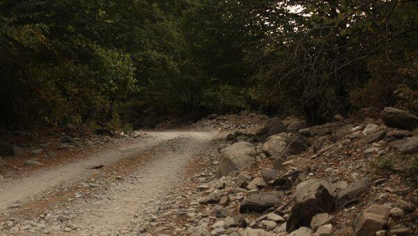 Дорога в Гахском районе, архивное фото - Sputnik Азербайджан