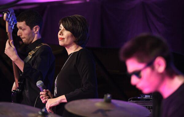Четвертый день Baku Jazz Festival: Тарана Махмудова и Azeri Jazz - Sputnik Азербайджан