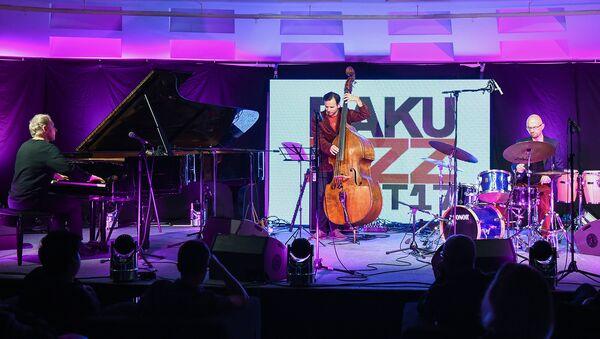 Выступление Трио Артура Дуткевича на Baku Jazz Festival - Sputnik Азербайджан
