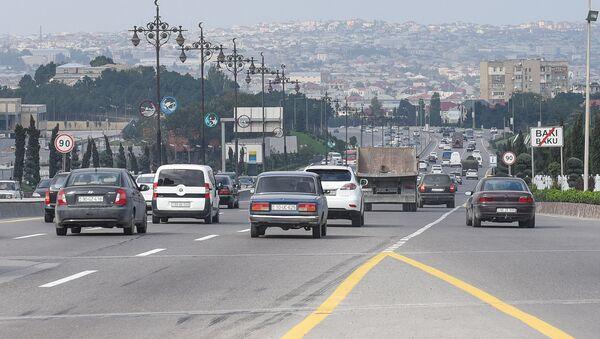 Движение транспорта на трассе Баку-Сумгайыт, фото из архива - Sputnik Азербайджан