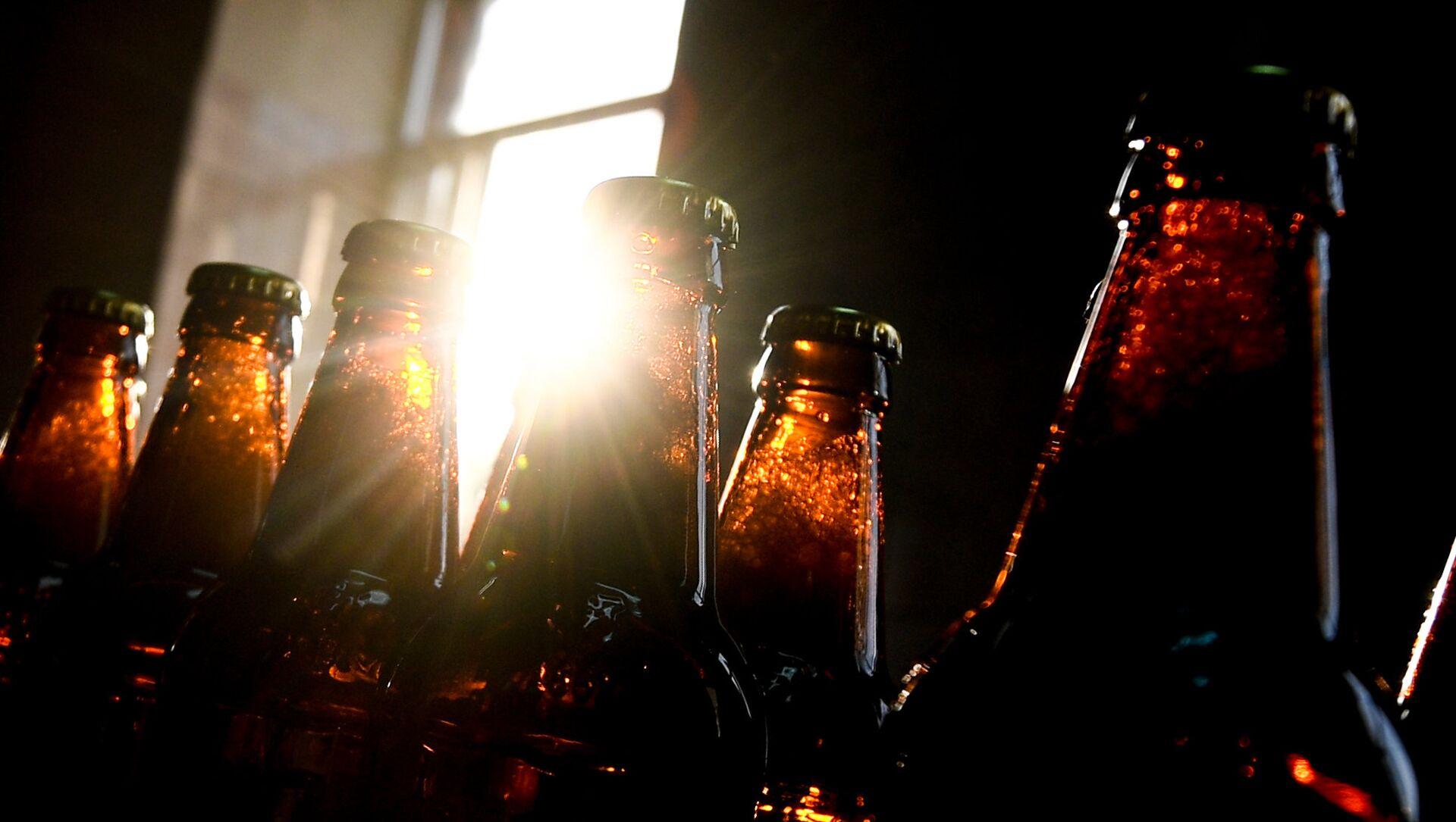 Бутылки с алкогольными напитками, фото из архива - Sputnik Азербайджан, 1920, 18.08.2021