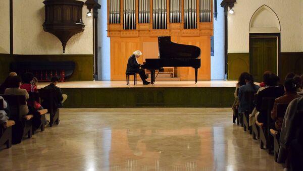 Михаил Лидский российский музыкант выступил с концертом в Баку - Sputnik Азербайджан