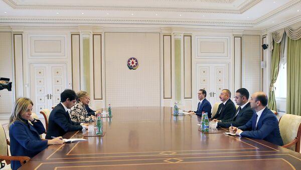 Президент Ильхам Алиев принял делегацию во главе с зампредом Сената Италии - Sputnik Азербайджан