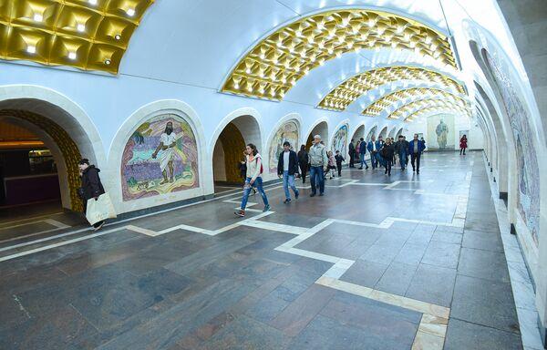 Бакинский метрополитен. Подземный вестибюль станции Низами - Sputnik Азербайджан