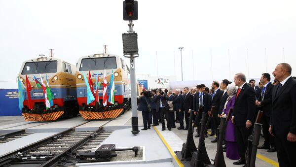 Церемония открытия железной дороги Баку-Тбилиси-Карс - Sputnik Азербайджан